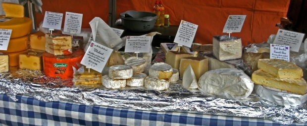 2012 Car Free Day Leytonstone cheese